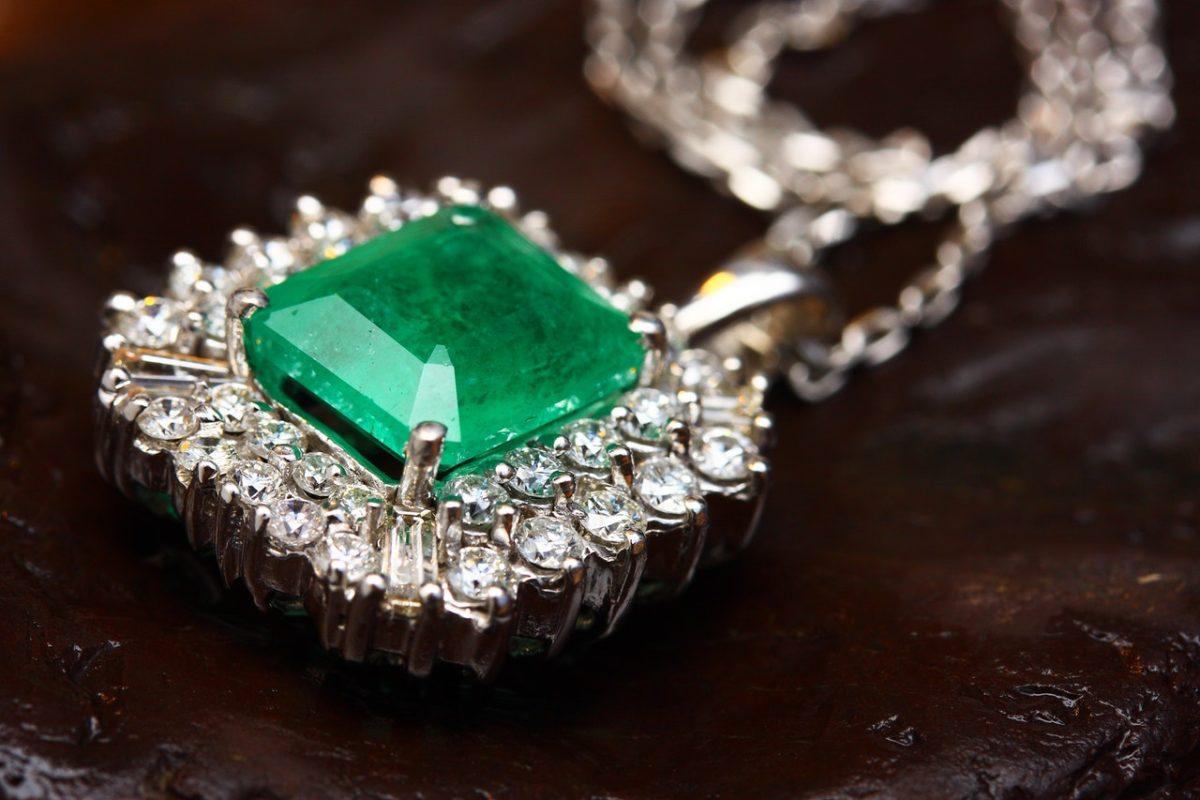 a diamond chain